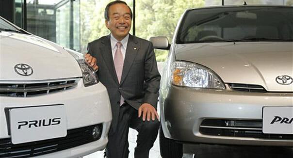 Toyota hybrid alesman